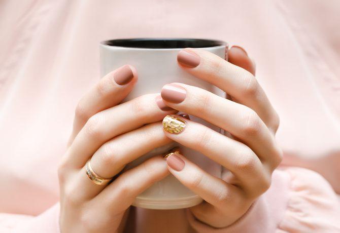 Карамельний манікюр – 80 смачних ідей дизайну нігтів 8