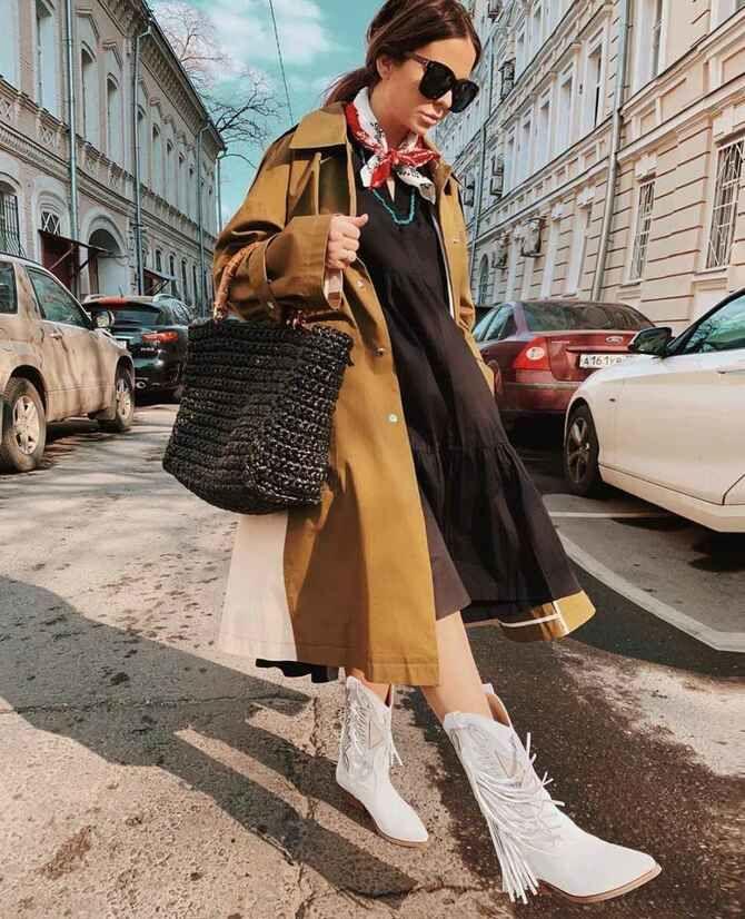 С чем носить казаки в модном сезоне 2020-2021 40