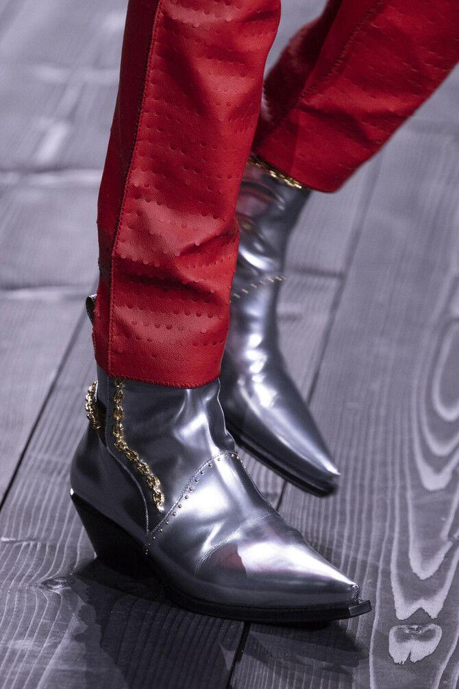 С чем носить казаки в модном сезоне 2020-2021 8