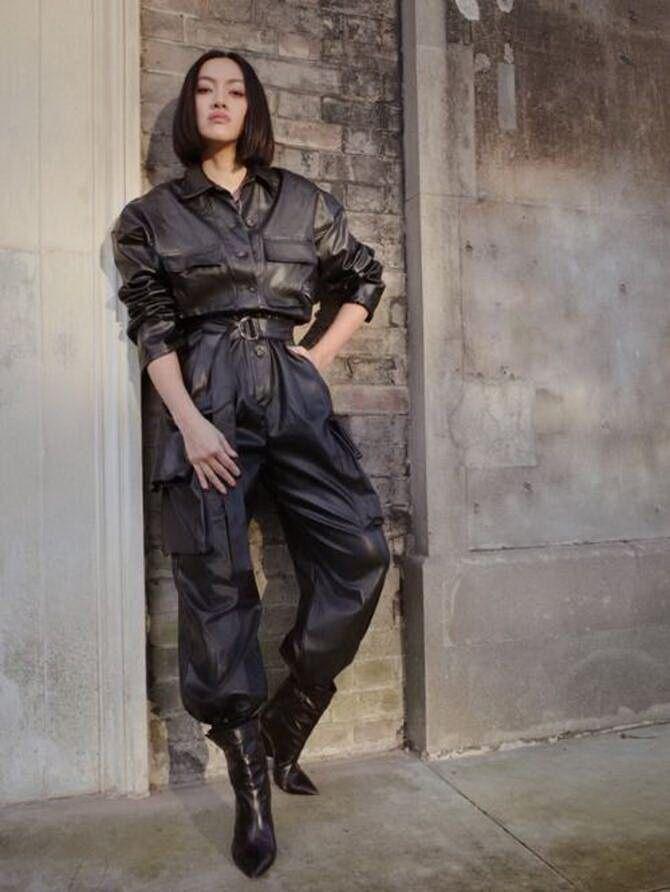 Стильные луки с кожаными комбинезонами: почему их стоит носить 1