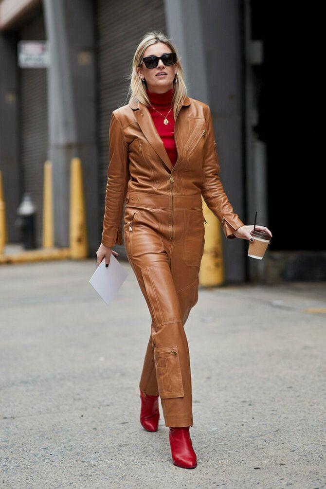 Стильные луки с кожаными комбинезонами: почему их стоит носить 24