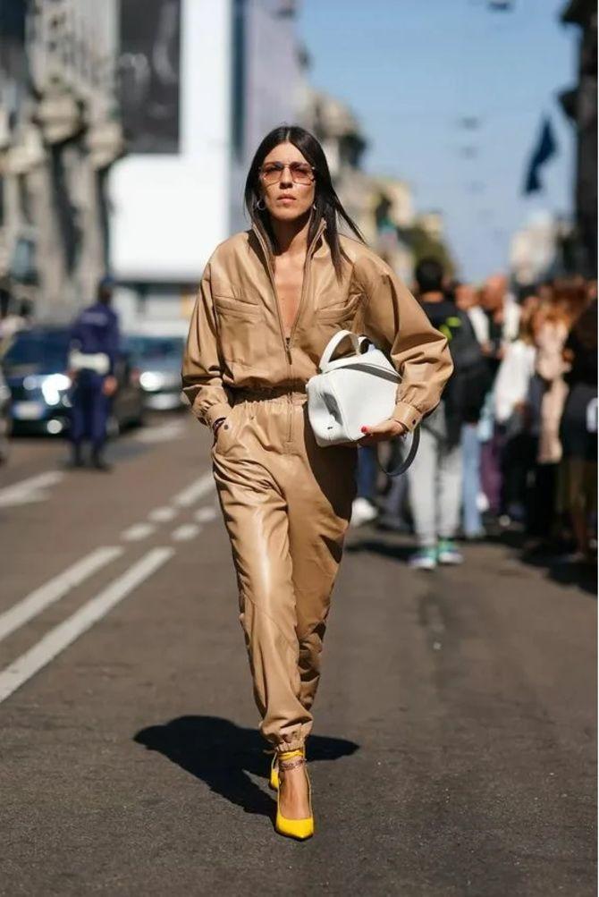Стильные луки с кожаными комбинезонами: почему их стоит носить 25