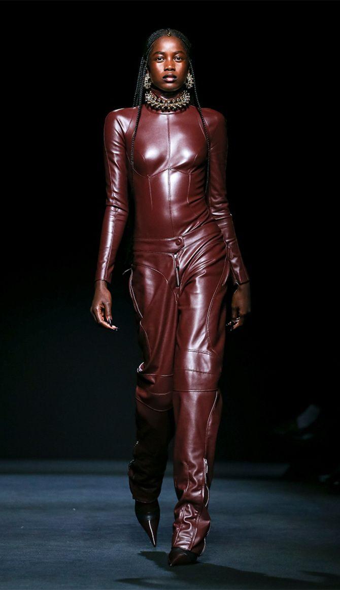 Стильные луки с кожаными комбинезонами: почему их стоит носить 8