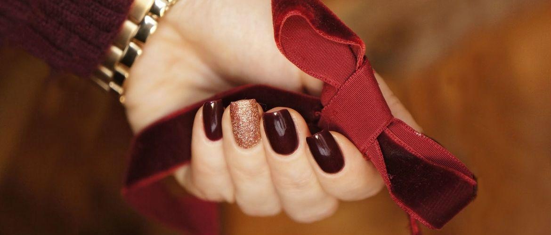 Бордовый дизайн ногтей на холодный сезон