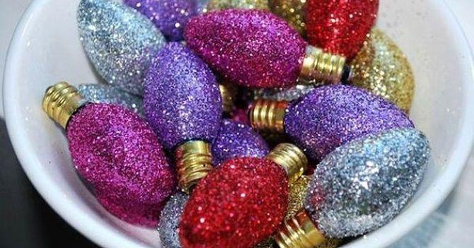 Ялинкові іграшки з лампочок: створюємо новорічний настрій 1