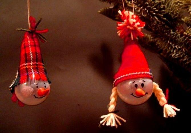 Ялинкові іграшки з лампочок: створюємо новорічний настрій 6