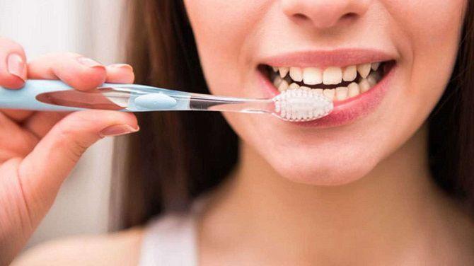 Білосніжні та здорові зуби: 15 крутих лайфхаків, як відбілити зуби в домашніх умовах 1