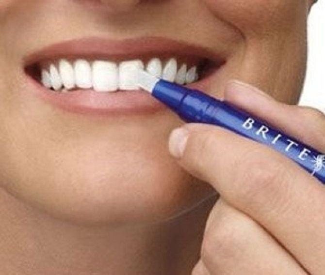 Білосніжні та здорові зуби: 15 крутих лайфхаків, як відбілити зуби в домашніх умовах 4