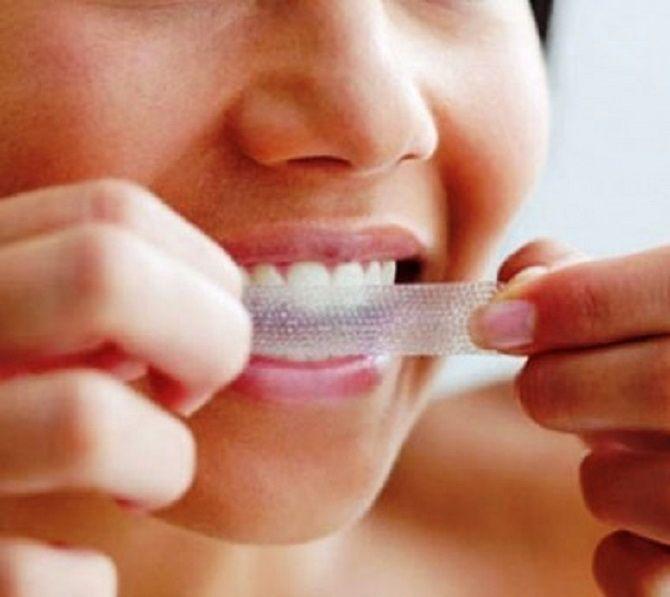 Білосніжні та здорові зуби: 15 крутих лайфхаків, як відбілити зуби в домашніх умовах 5