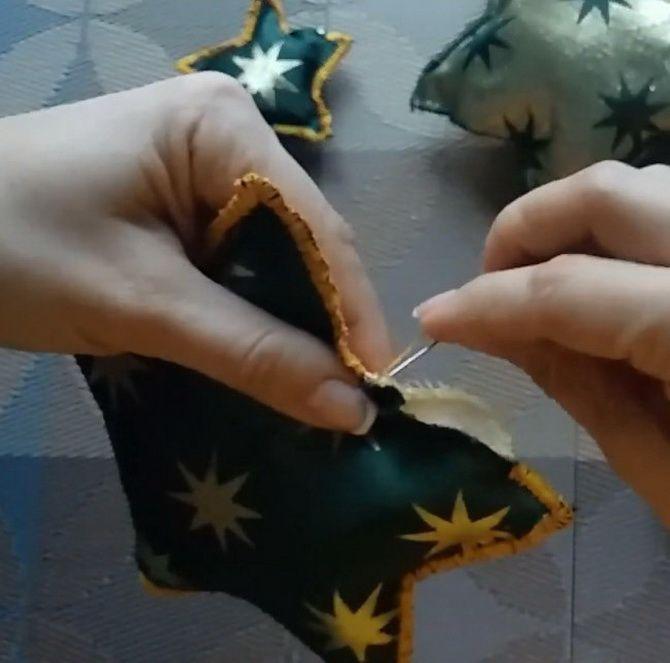 Поделки из ткани на Новый год: быстро, просто и со вкусом 20