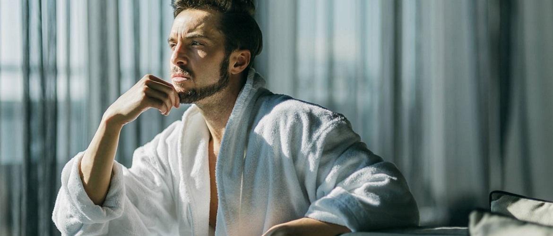 Тепло и удобно: как выбрать домашнюю одежду для мужчин?
