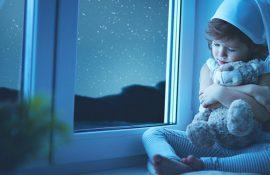 Страхи у детей дошкольного возраста: что делать, если ребенок боится?