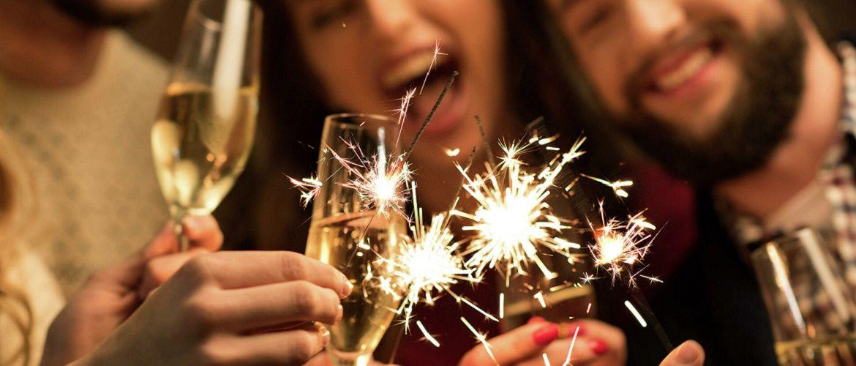 Самые смешные новогодние тосты 2021 – веселые и прикольные поздравления с Новым годом