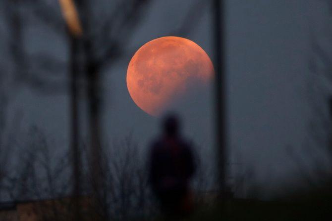 Солнечные и лунные затмения 2021 года: даты, особенности, где можно наблюдать и что нельзя делать 2