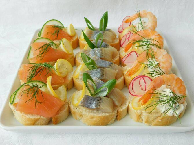 Апетитна закуска – бутерброди для новорічного столу 22