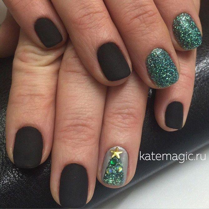 Святковий манікюр з ялинкою на Новий рік 2021: красиві варіанти дизайну нігтів 23