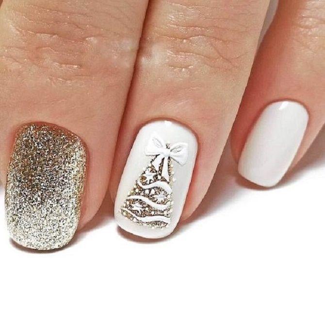 Святковий манікюр з ялинкою на Новий рік 2021: красиві варіанти дизайну нігтів 25