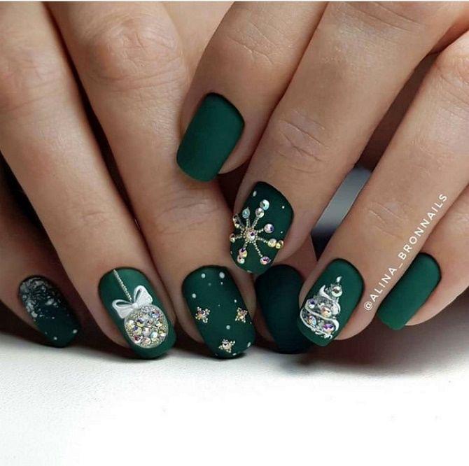 Святковий манікюр з ялинкою на Новий рік 2021: красиві варіанти дизайну нігтів 5