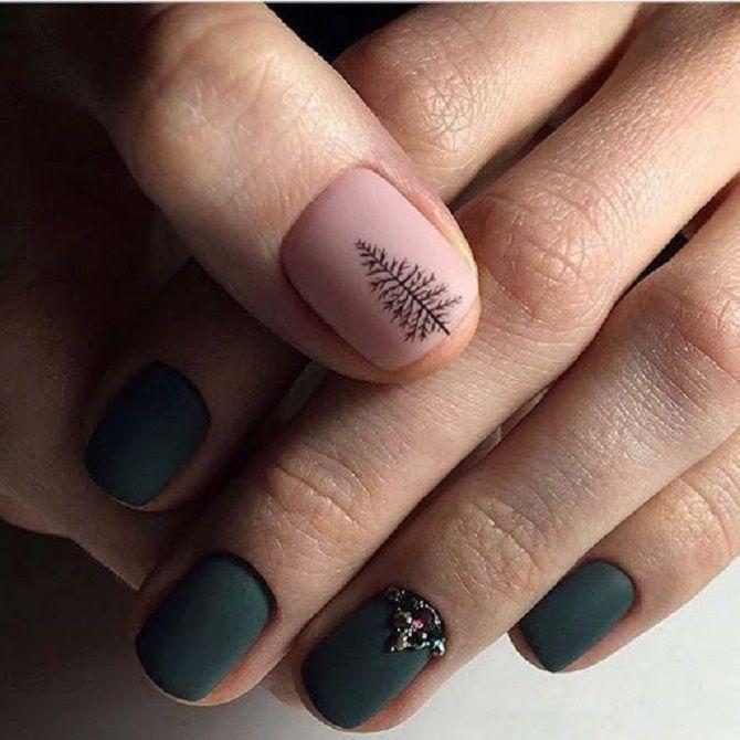 Святковий манікюр з ялинкою на Новий рік 2021: красиві варіанти дизайну нігтів 6