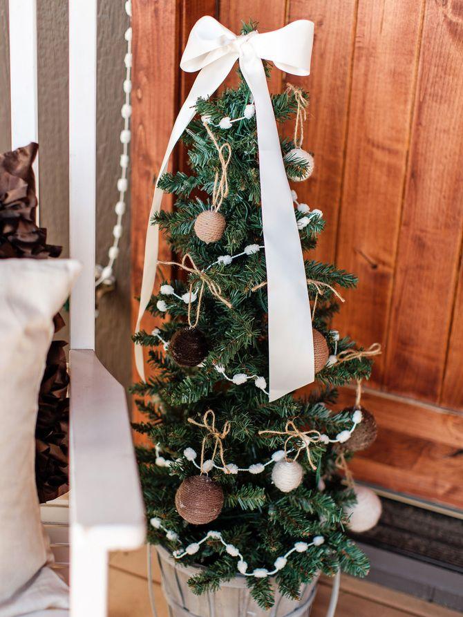 Рождественский декор: 40 сказочных идей украшения маленькой елки 20