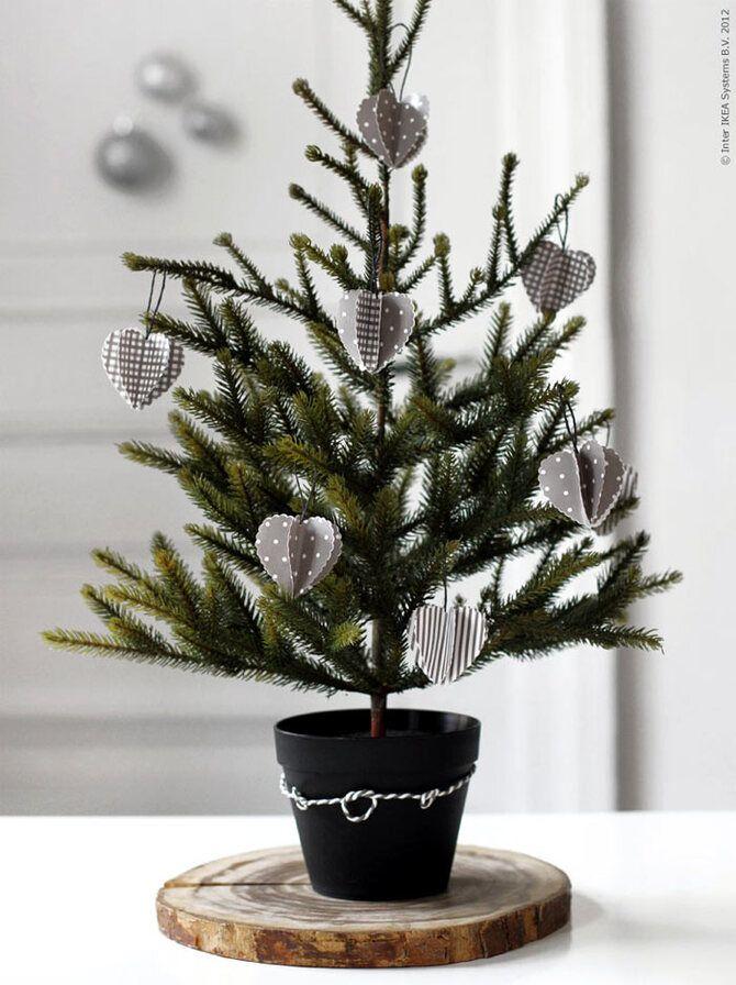 Рождественский декор: 40 сказочных идей украшения маленькой елки 21