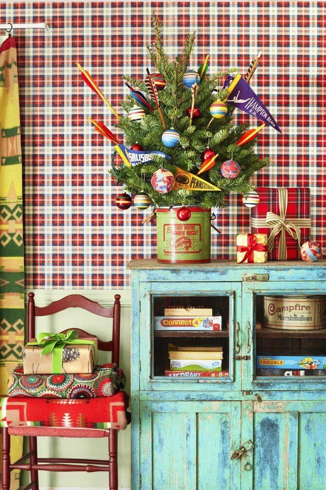Рождественский декор: 40 сказочных идей украшения маленькой елки 22