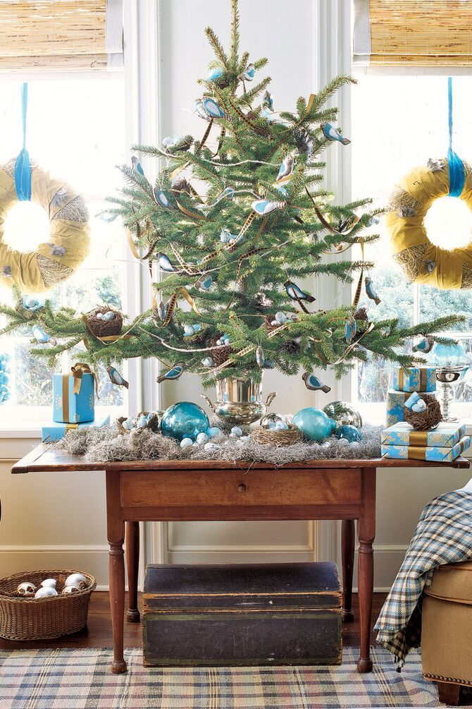 Рождественский декор: 40 сказочных идей украшения маленькой елки 26