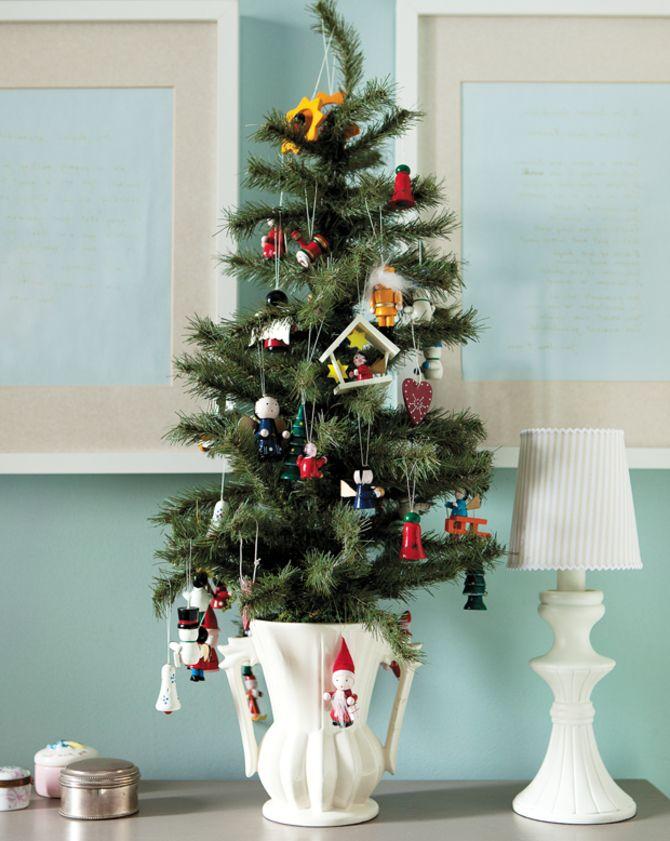 Рождественский декор: 40 сказочных идей украшения маленькой елки 37