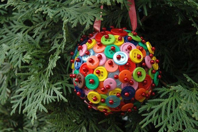 Красивый и необычный декор новогодних шаров – лучшие идеи с фото 11