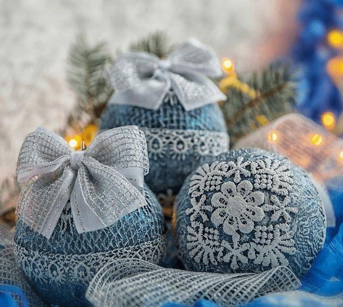 Красивый и необычный декор новогодних шаров – лучшие идеи с фото 14