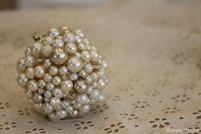 Красивый и необычный декор новогодних шаров – лучшие идеи с фото 9