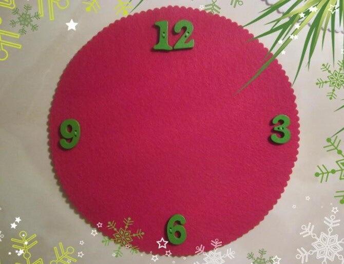 Поделка новогодние часы 13