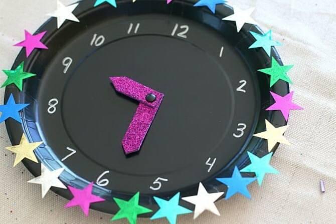 Поделка новогодние часы 6