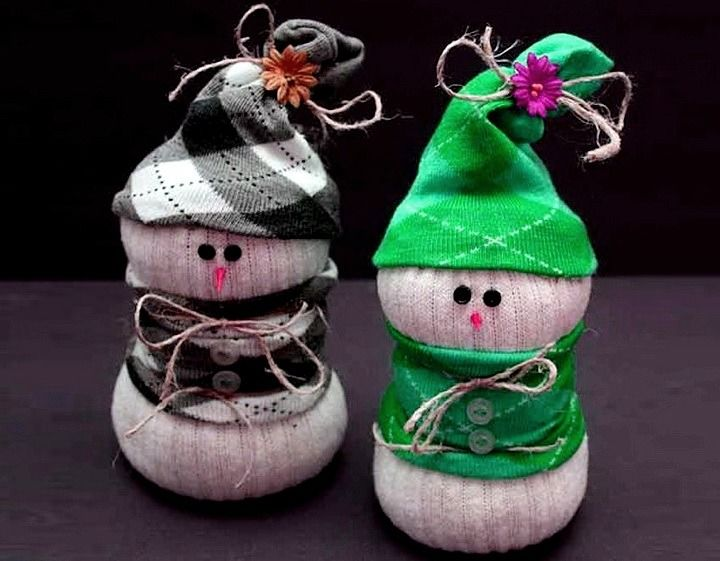 Новогодние поделки из носка – самые красивые украшения на Новый год 2021 14