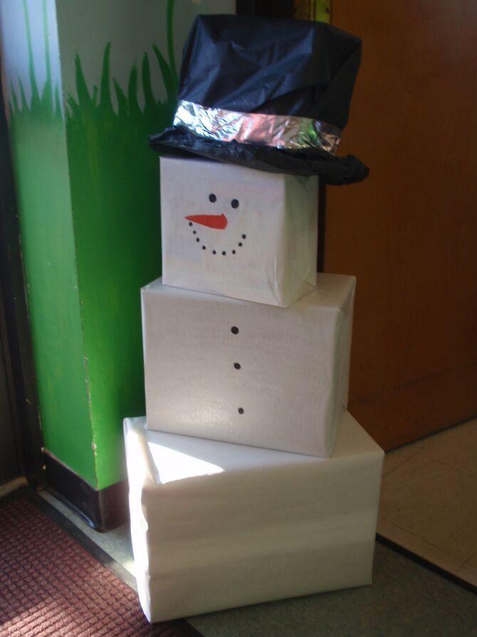 Новогоднее волшебство своими руками: 50 идей снеговика 17