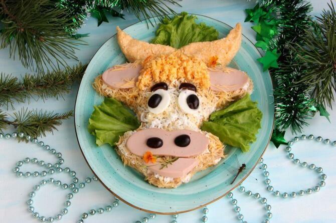 Украшение праздничных блюд: новогодняя символика 2021 на столе 4