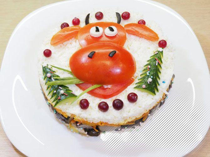 Украшение праздничных блюд: новогодняя символика 2021 на столе 6