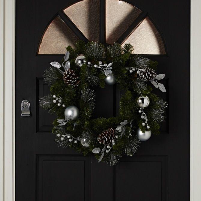 Как украсить дверь с помощью новогодних венков – красивые идеи, правила выбора декора 3