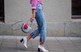 Прямі джинси: з чим носити вічну класику в 2021 році?