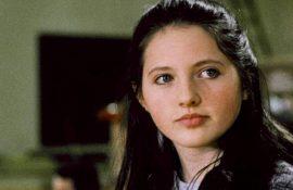 Джессика Кэмпбелл, звезда «Выскочек», неожиданно умерла в возрасте 38 лет