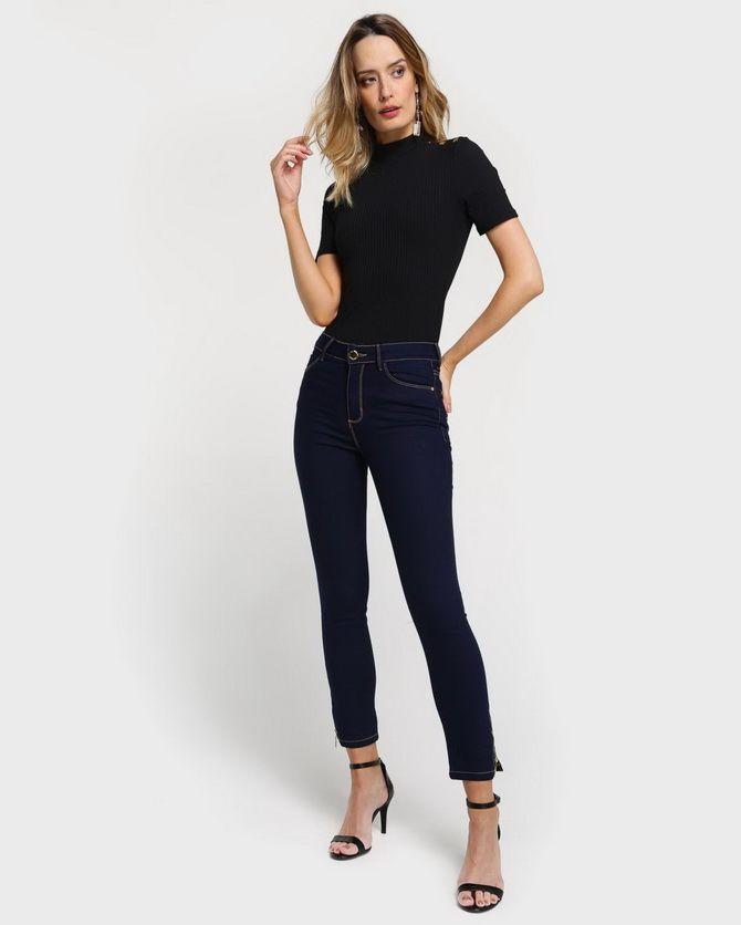Прямые джинсы: с чем носить вечную классику в 2021 году? 16