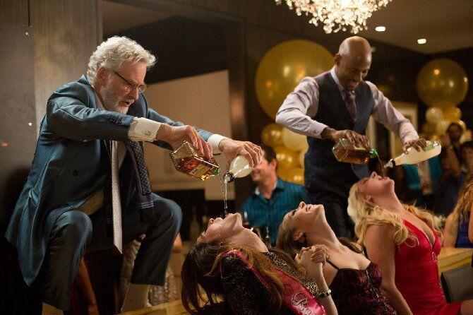 Топ-8 фильмов-комедий про безумные вечеринки и тусовки (с картинами «16+» и «18+») 7