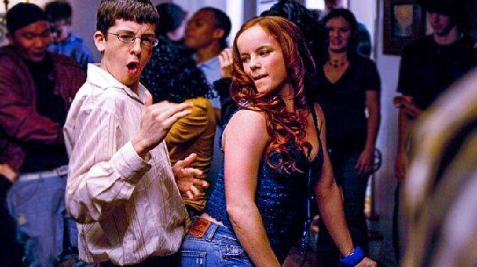 Топ-8 фильмов-комедий про безумные вечеринки и тусовки (с картинами «16+» и «18+») 4