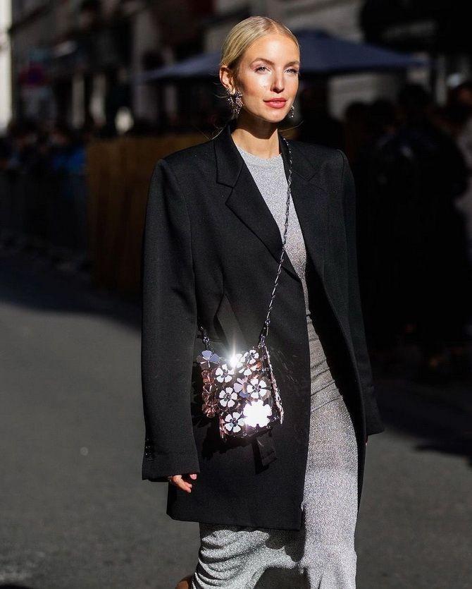 Як носити вечірні сукні взимку: луки з верхнім одягом 22