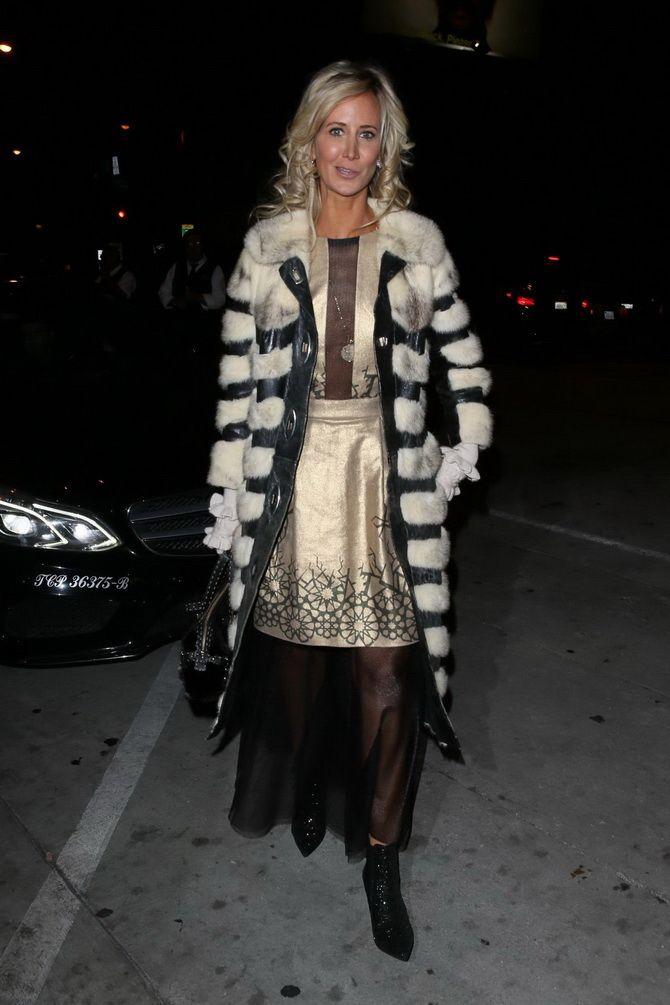 Как носить вечерние платья зимой: луки с верхней одеждой 9