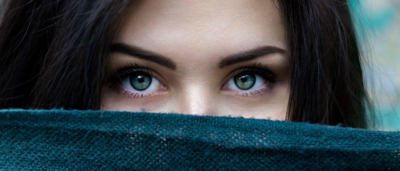 Отекшее лицо по утрам – почему мы просыпаемся с болезненным видом?