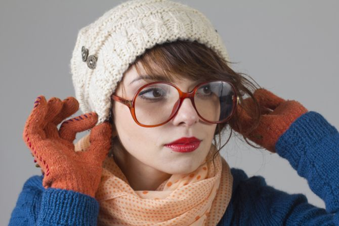 Удачные зимние прически под шапку: советы и идеи как избежать шляпных волос 30