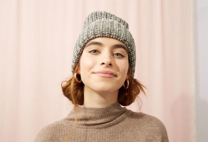 Удачные зимние прически под шапку: советы и идеи как избежать шляпных волос 6
