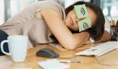 Вимотався, втомився, пора відпочивати: симптоми й причини енергодефіциту
