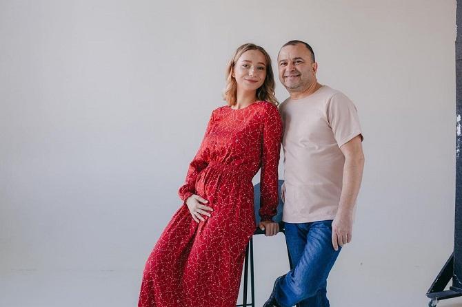 55-річний Віктор Павлік вчетверте стане батьком – його молода дружина вагітна 3